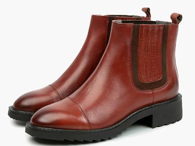 伊伴经典牛皮切尔西靴秋冬英伦风休闲平底短筒靴