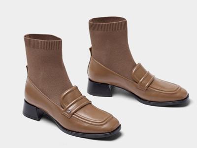 接吻猫2021年秋季新款经典英伦风时尚短靴简约