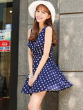 连衣裙+坡跟凉鞋 夏日显高搭配