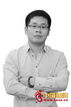 """李华伟/李华伟,晋江远通鞋业有限公司总经理,足下登""""布鞋世家""""掌门..."""