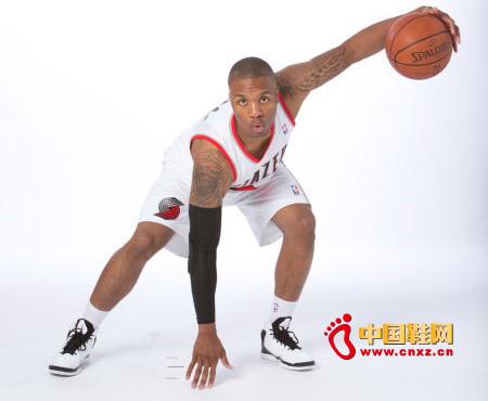 NBA球星利拉德将终止与阿迪达斯品牌合同图片