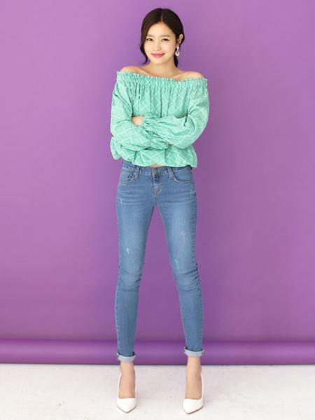可爱的花边短裙,超短的层叠造型设计