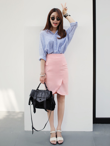 修身显瘦的粉色半身裙