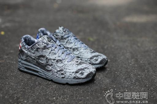 "Nike Air Max Lunar90 SP ""Moon Landing"" 鞋款"
