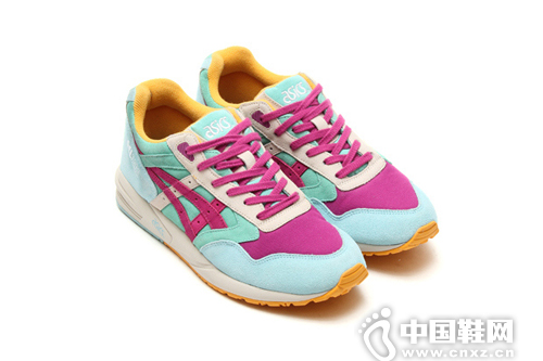 Lily Brown × ASICS Gel Saga 联名系列