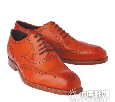 牛津鞋是从17世纪英国牛津大学所开始流行的男鞋