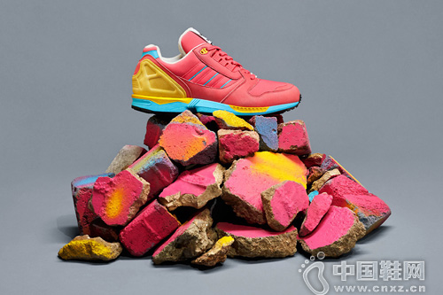 adidas Originals 推出全新 ZX 8000 配色系列「Fall of the Wall」