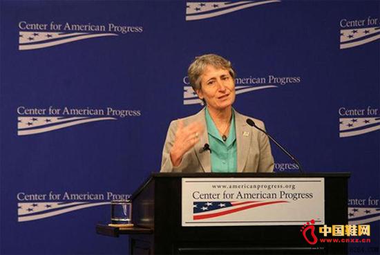萨莉.朱厄尔(SallyJewell)在美国进步中心会议