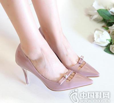 时尚简约纯色浅口镂空高跟单鞋