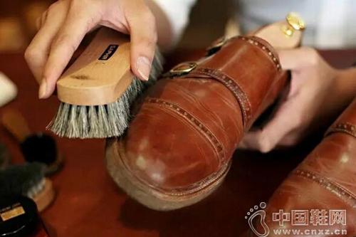 皮鞋保养大揭秘!