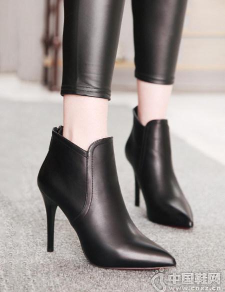 黑色短靴百搭N种造型