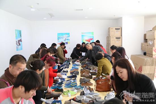 """""""夏・轻唤""""福联升2016夏季新品订货会"""