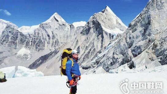 张京川3年尝试3次终登顶珠峰
