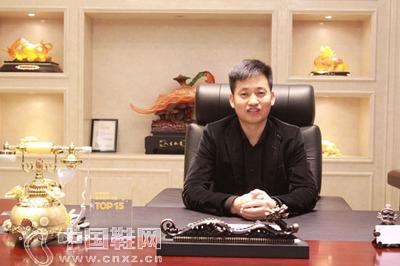 必克体育用品有限公司的董事长袁康宁