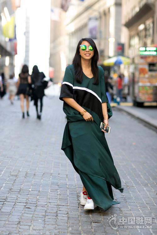 【街拍】夏日雪纺裙 时髦妹子全都在穿它