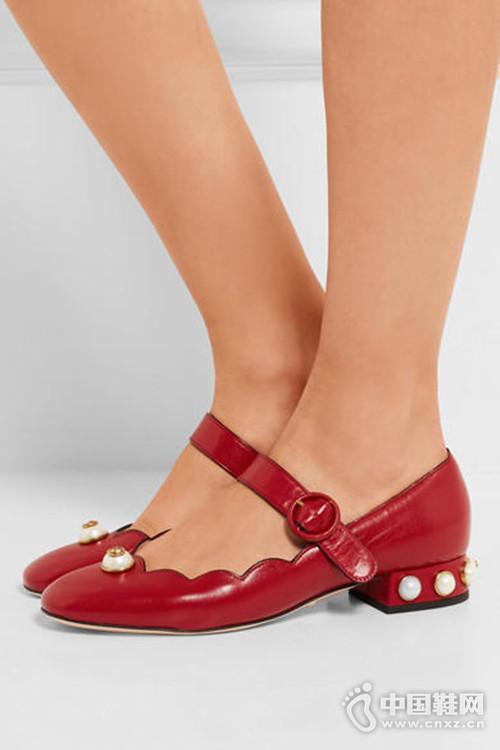 诞生100多年的玛丽珍鞋