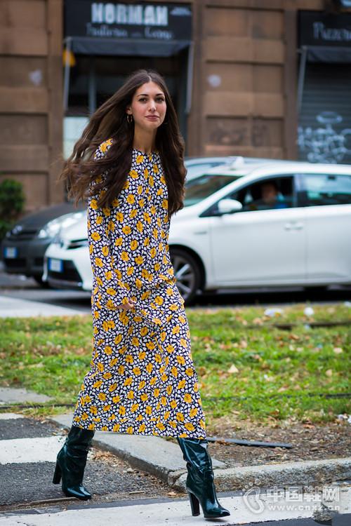 【街拍】长袖衣裙时髦到辣眼睛 就靠它们美了