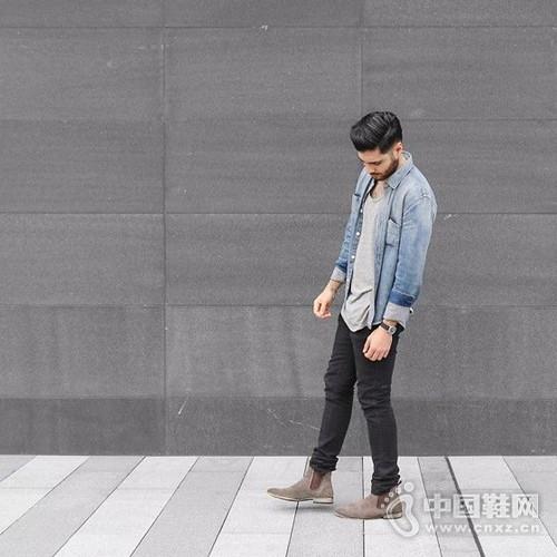 步入早秋!型男街拍穿搭示范牛仔衬衫轻松应对