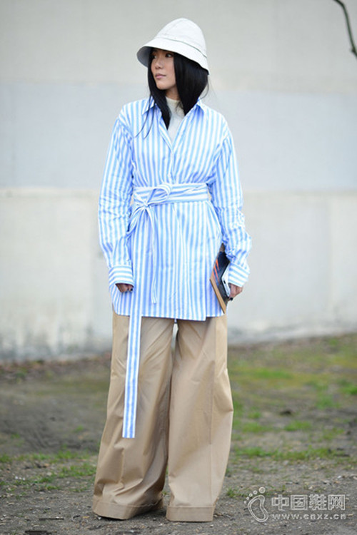 衬衣+阔腿裤 这可能是最容易学会的街拍穿法
