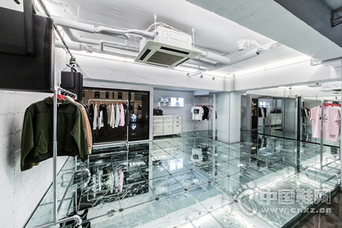 C.E 东京南青山旗舰店