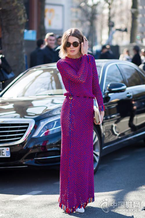 【街拍】换季先换裙 这些针织美裙好穿又百搭