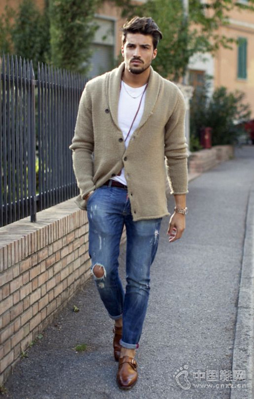【街拍】最佳单品针织开衫 实用时髦两不误