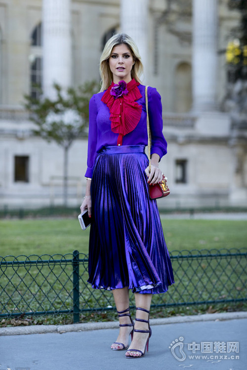 巴黎时装周潮人场外街拍才是压轴时装大秀