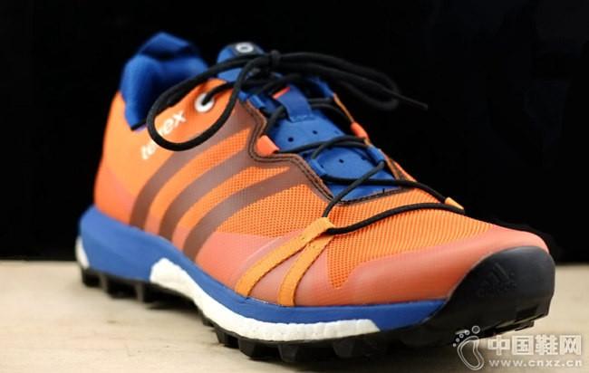 Adidas越野跑鞋