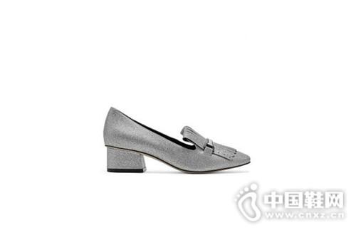 秋冬必入!簡約優雅中性的型格都必選的4大鞋款!