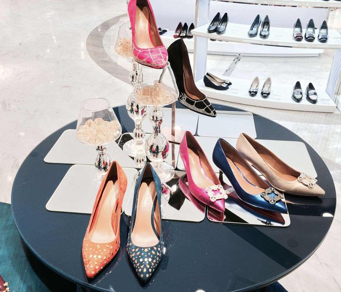 女鞋加盟前景无限 百丽 、达芙妮、 魅芭莎成香饽饽