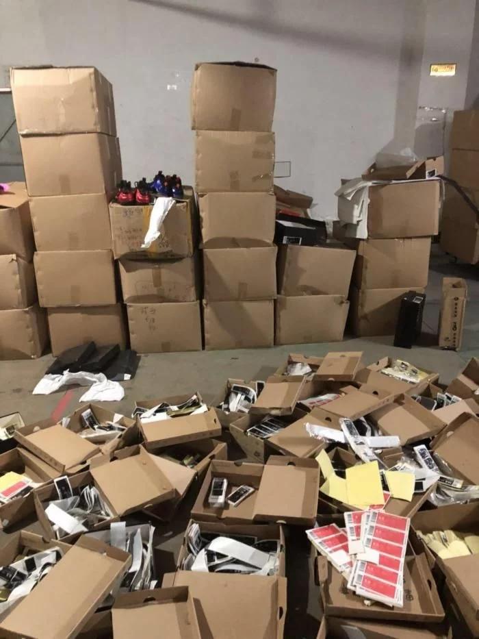 做假耐克鞋做到身家过亿 但出来混的一直是要还的