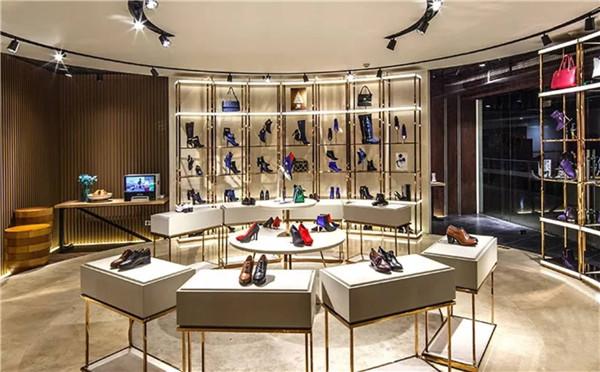 """卖鞋的星期六和卖内衣的一起开公司 是""""战略合作""""还是""""减库存""""?"""