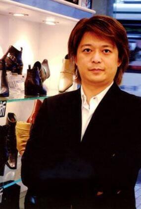 """达芙妮陈英杰:中国鞋业的""""鞋王"""" 如今年营业额达百亿港元"""