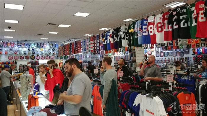 因为耐克和卡佩尼克 这家开了二十多年的体育用品店倒闭了