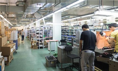 """曾被称""""中国最大鞋厂"""",现剩1.2万人,裕元衰落竟是时代在进步"""