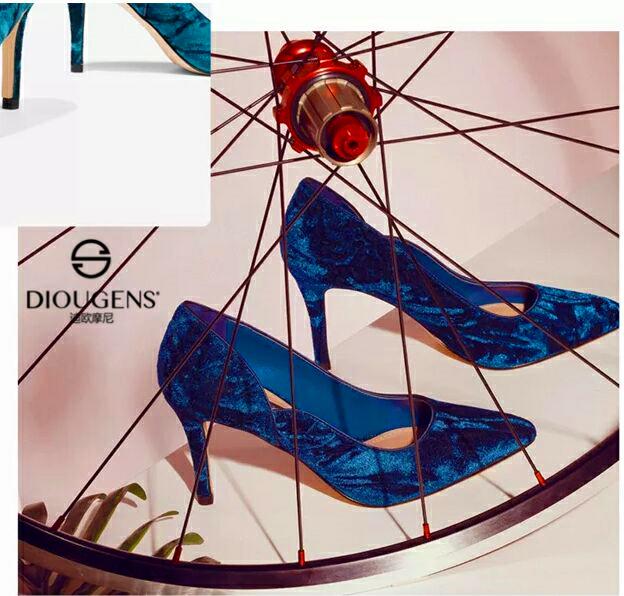 廣東讓你投資小回本快的項目:迪歐摩尼鞋包品牌