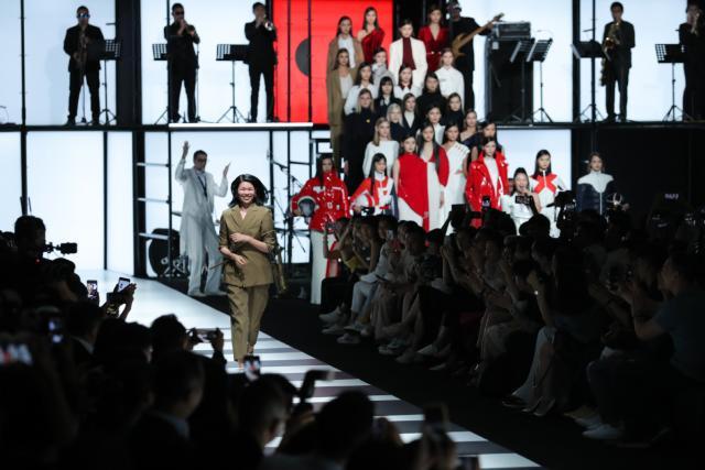 【必威体育】国际超模吕燕呼吁中国打造全球品牌