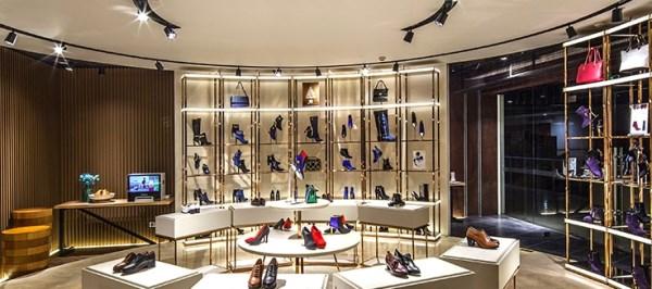 不做女鞋一心當網紅,星期六30億定增遭質疑