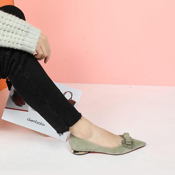 哪個品牌的女鞋店值得加盟呢?加盟丹比奴女鞋需注意什么?