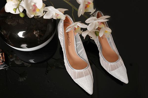 女鞋品牌店加盟哪個好?加盟丹比奴女鞋怎么樣?