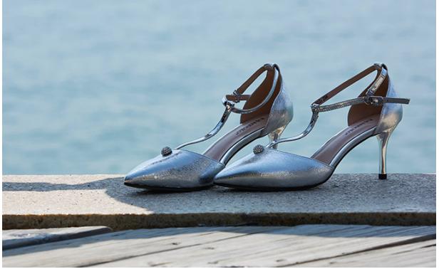 丹比奴女鞋:用最精致的形态,展示出内心美好的一切