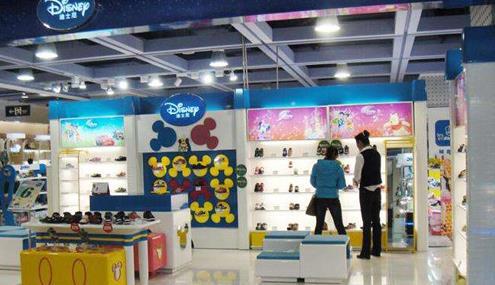 社区商业引领消费迪士尼童鞋来助阵