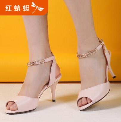 红蜻蜓女鞋瞄准终端 投资价值再创新高