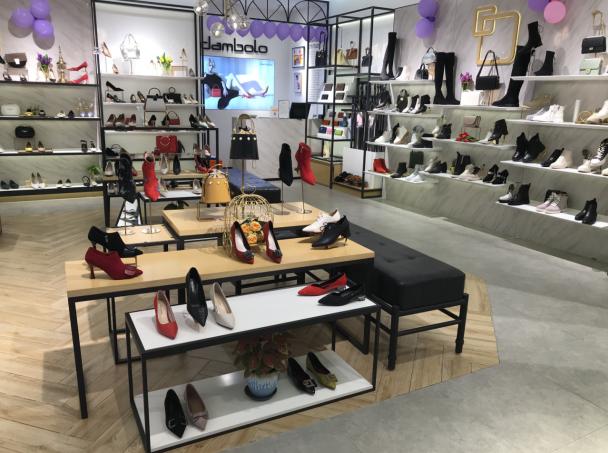 丹比奴女鞋加盟店,为你提供全程式开店指导!