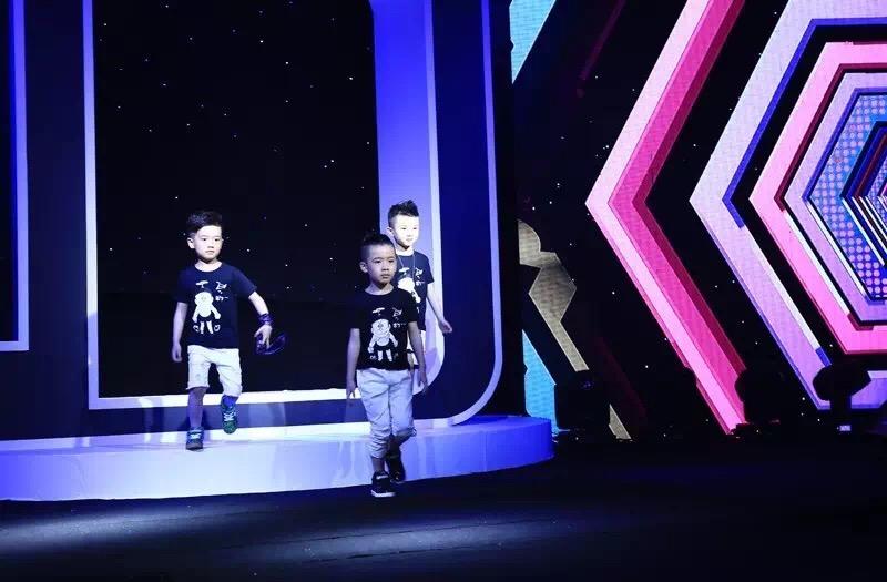 2.8折厂家直供!哆啦A梦童鞋寻求加盟商!