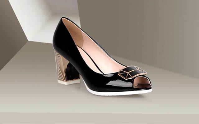 广州鞋子批发折扣店:迪欧摩尼的优势在哪里?