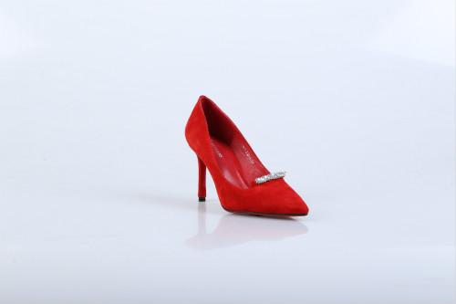 广州女鞋加盟哪家好?迪欧摩尼女鞋脱颖而出