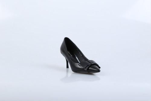 """开个鞋店什么品牌好?迪欧摩尼可是女鞋行业的""""大咖"""""""