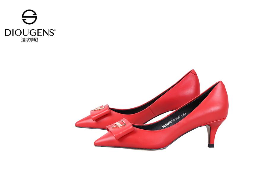开女鞋店哪家好?迪欧摩尼女鞋招商经营有妙招