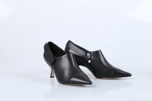 卖鞋子一般都在哪进货比较好 迪欧摩尼国内一流品牌